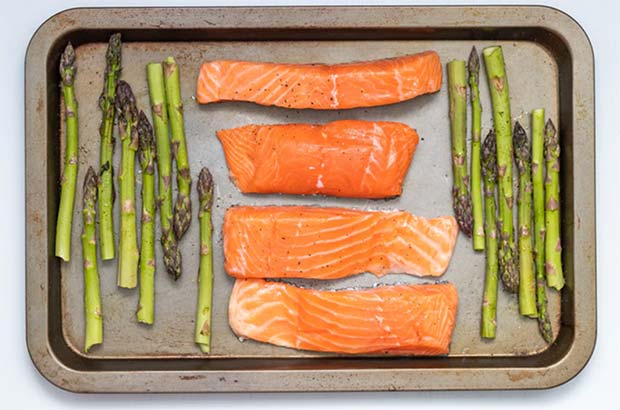 Cooking salmon for brain food