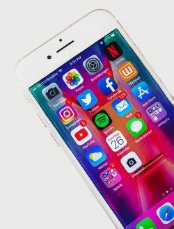 iPhone social marketing
